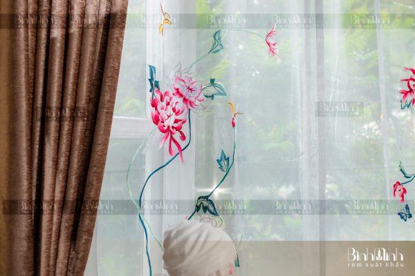 Rèm vải 2 lớp cao cấp - Voan thêu hoa cúc đại đóa 13