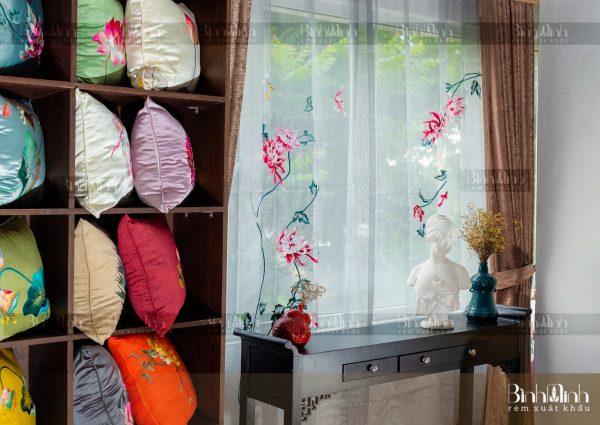 Rèm vải 2 lớp cao cấp - Voan thêu hoa cúc đại đóa 9