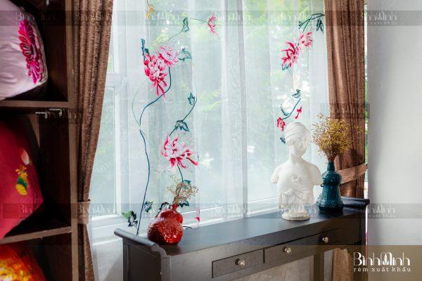 Rèm vải 2 lớp cao cấp - Voan thêu hoa cúc đại đóa 8