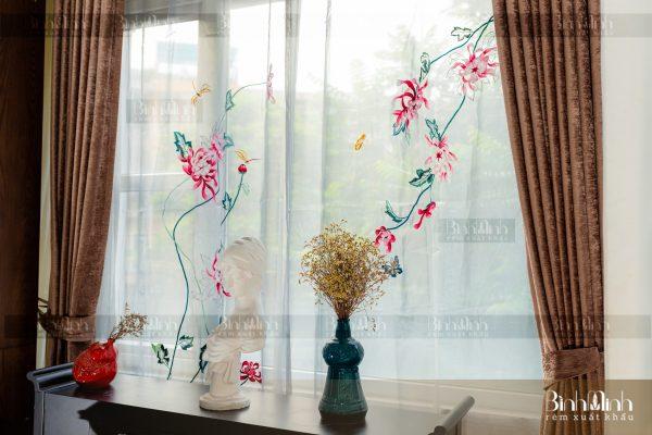 Rèm vải 2 lớp cao cấp - Voan thêu hoa cúc đại đóa 4
