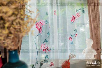 Thiết kế rèm nghệ thuật từ chất liệu voan thêu