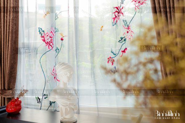 Rèm vải 2 lớp cao cấp - Voan thêu hoa cúc đại đóa
