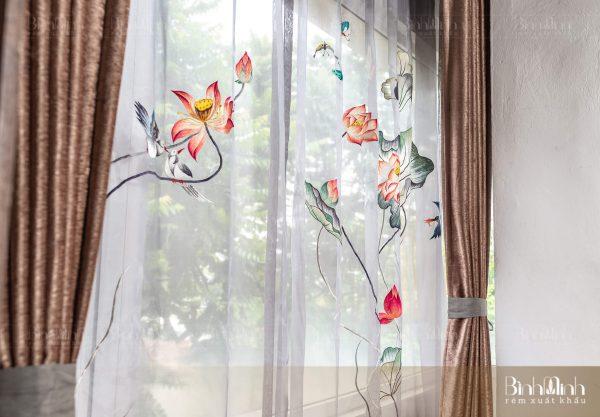 Mẫu rèm thêu sen: Dạ khúc sen - Rèm cao cấp