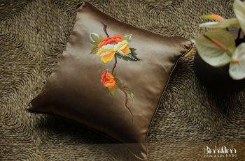 Gối sofa cổ điển -Gối thêu hoa mẫu đơn