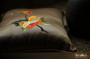 Những thiết kế gối trang trí cho phòng khách cổ điển