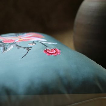 Gối thêu hoa mẫu đơn - Gối trang trí decor
