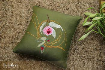 Gối thêu hoa trà - Gối sofa cao cấp