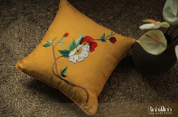 Mẫu gối thêu hoa trà đẹp lung linh tại Bình Minh