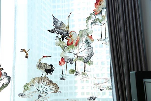 Rèm cửa thêu hoa sen