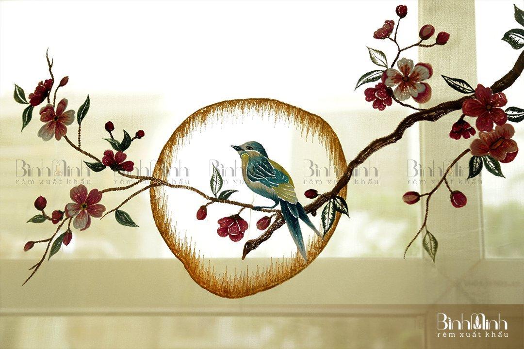 Vẻ đẹp của rèm thêu hoa đào