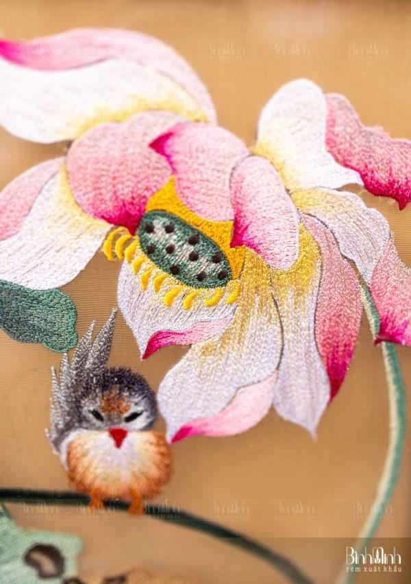 Tranh thêu hoa sen - Tranh thêu tay cao cấp Bình Minh