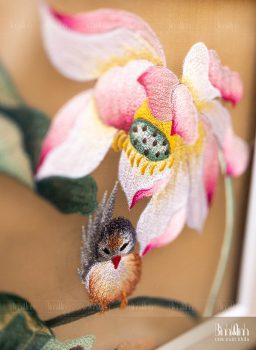 Nét đẹp ý nghĩa của tranh thêu hoa sen trong văn hoá Việt