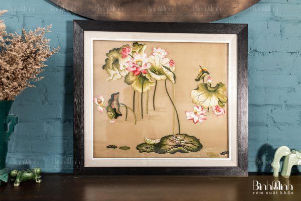 Tranh thêu hoa sen - Tranh thêu tay cao cấp