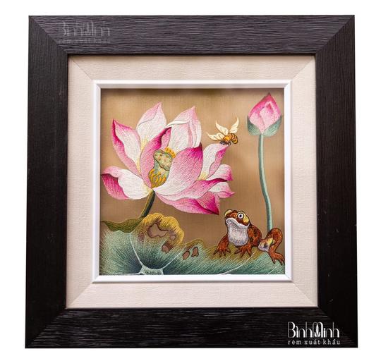 Làng thêu Minh Lãng tác phẩm tranh hoa sen