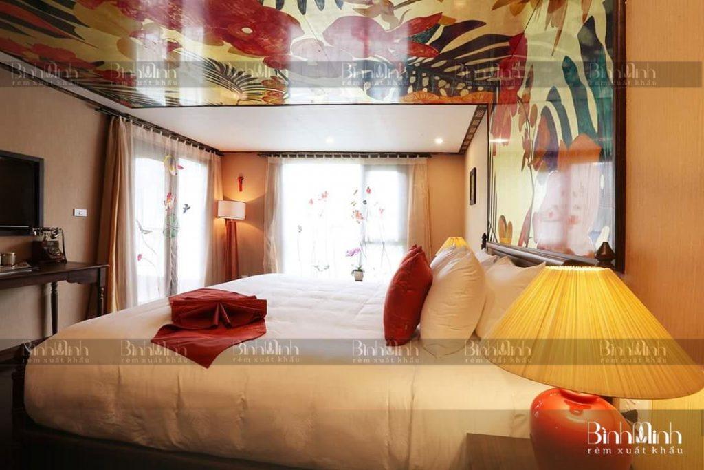 Rèm phòng ngủ thêu sen Bình Minh