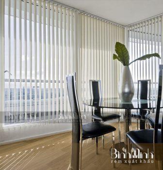 Rèm lá dọc đẹp cho không gian phòng khách