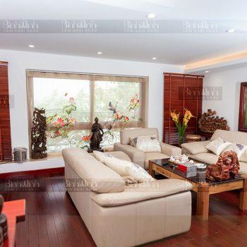Cách lựa chọn rèm vải sang trọng, tinh tế cho phòng khách gia đình