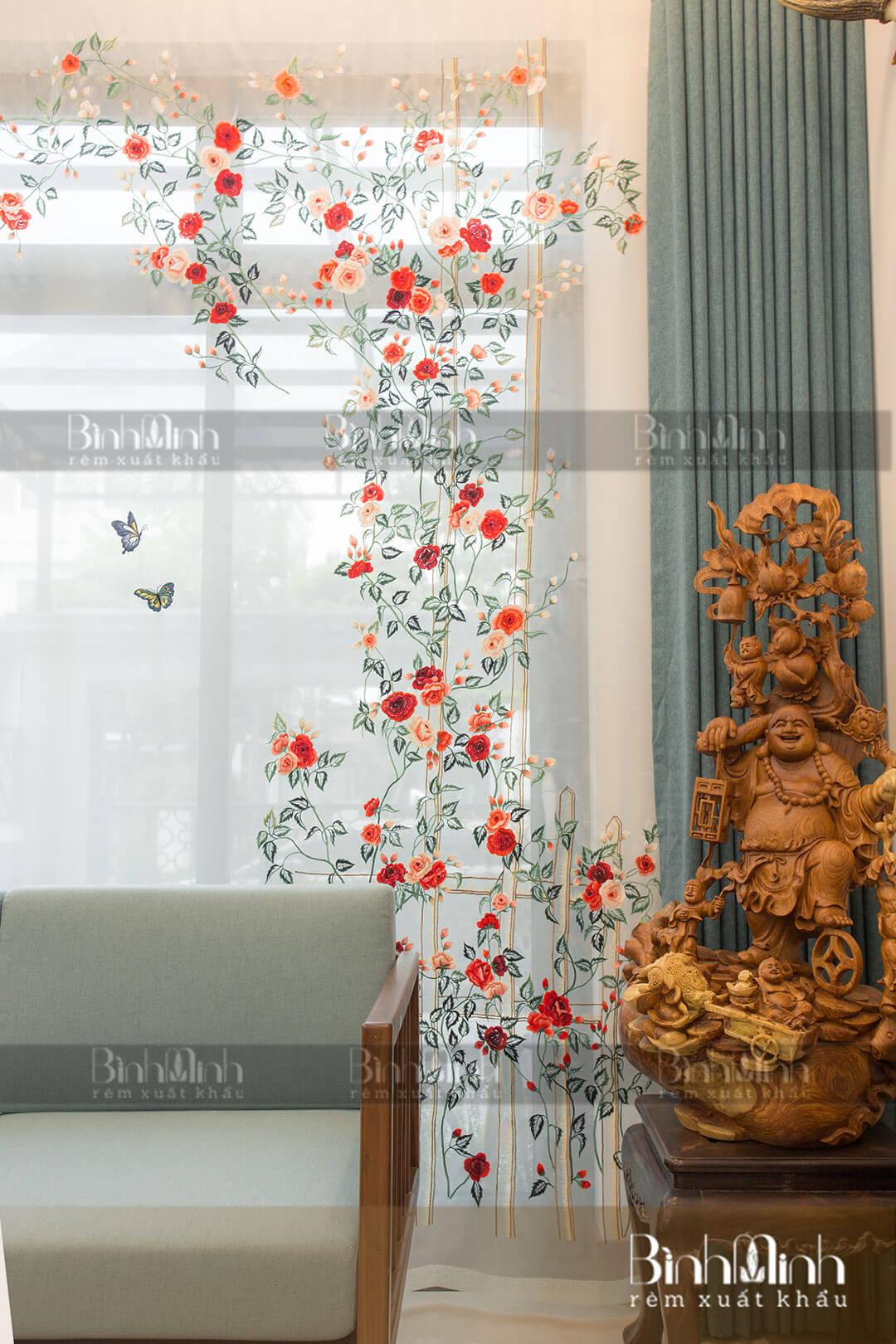 Rèm phòng khách thêu vườn hồng biệt thự Ciputra