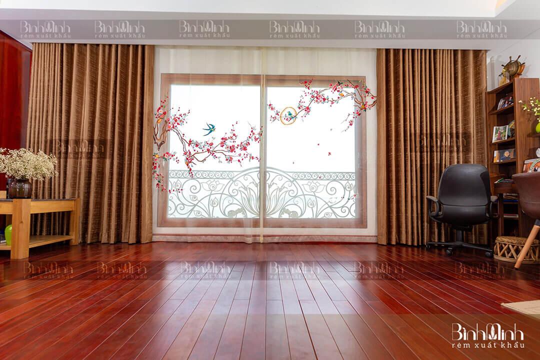 Rèm phòng khách cao cấp với mẫu thêu Hoa đào