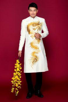 Thiết kế áo dài nam thêu rồng mạnh mẽ – Áo Dài Việt 2021