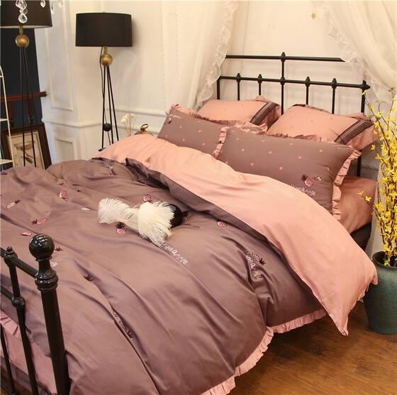 Làm mới phòng ngủ với những chăn ga gối đệm màu hồng đẹp cuốn hút