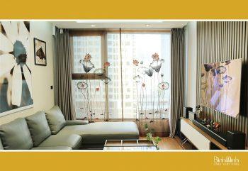Nên lắp rèm cầu vồng hay rèm vải cho không gian phòng khách?