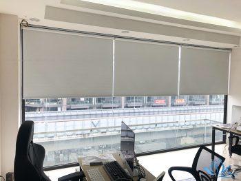 Tại sao bạn nên lắp đặt rèm cuốn trơn cho không gian văn phòng ?