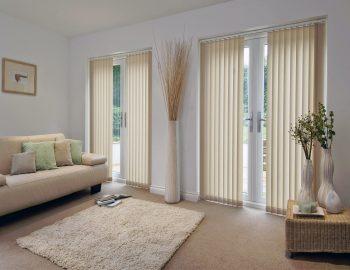 Những mẫu rèm lá dọc phòng khách sang trọng, trang nhã