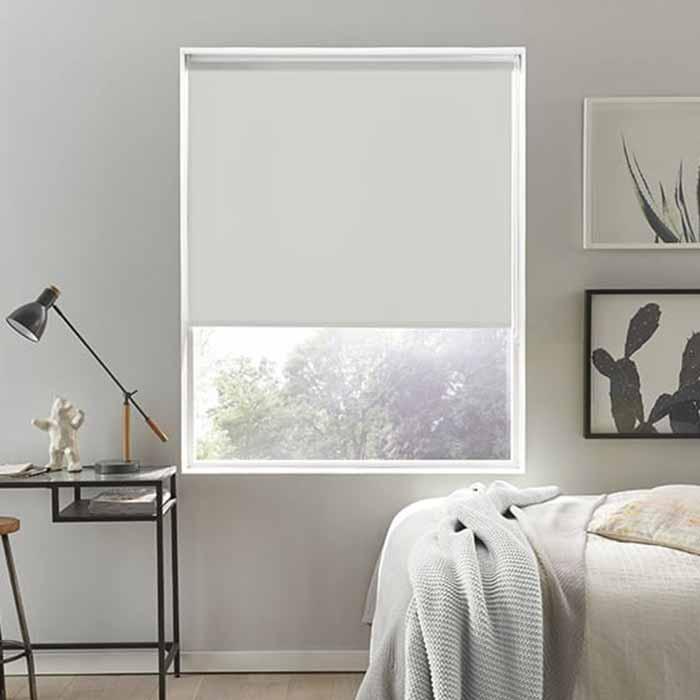Rèm cuốn thông minh cho không gian phòng ngủ hiện đại