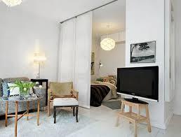 Rèm cuốn ngăn phòng – Phụ kiện nội thất hữu dụng cho không gian nhỏ, đông người