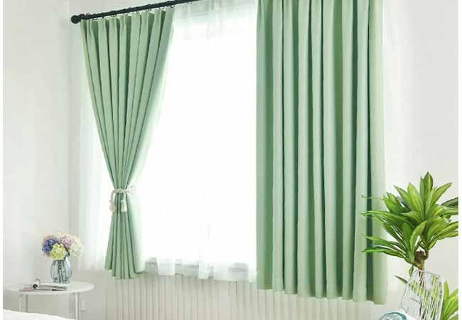 Gợi ý cách chọn rèm cửa sổ màu xanh đẹp ấn tượng ai cũng mê