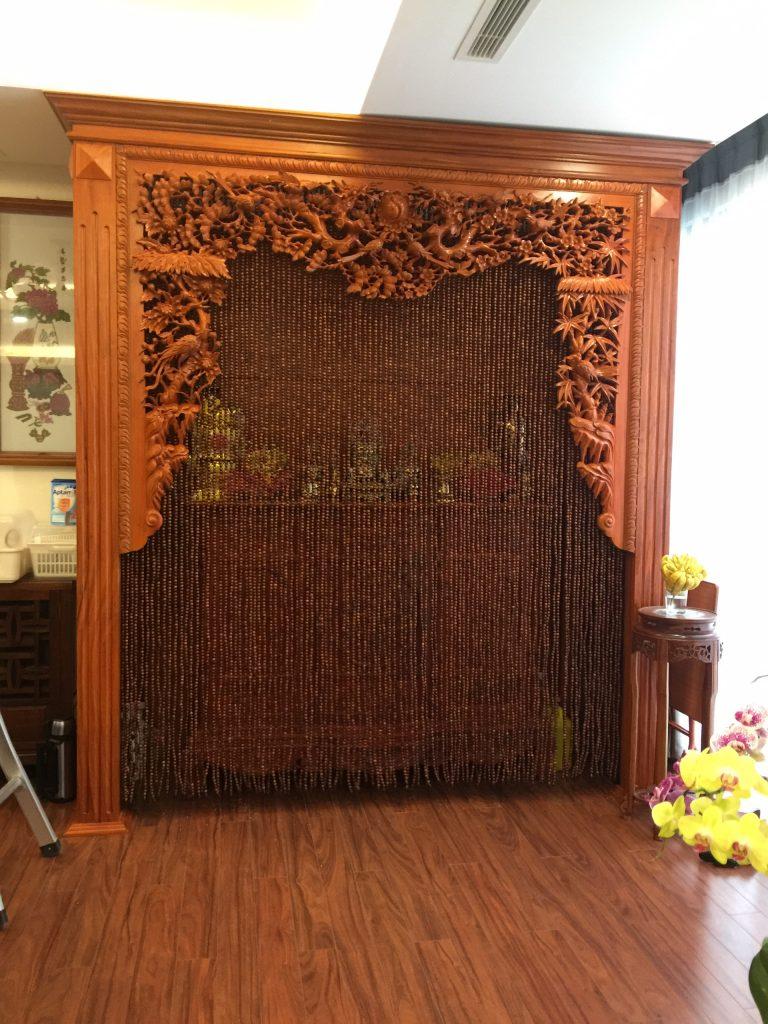 Rèm hạt gỗ điểm nhấn cho phòng thờ